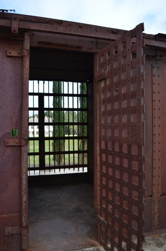 La prison de métal